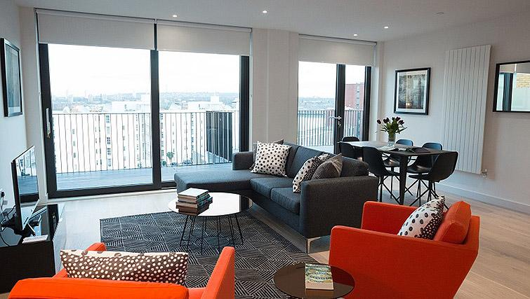 Corporate-Accommodation-Silvertown-Canary-Wharf-Masthead-House-Serviced-Apartments-London-Urban-Stay
