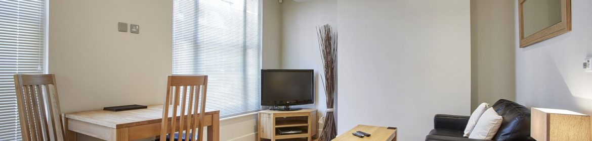 Amazing Self-Catering Accommodation Reading! Centrally located Serviced Apartments Reading and corporate accommodation UK. Competitive Rates · No Booking Fees · Free Wi-Fi · Fully Furnished · Fully equipped kitchen · Weekly cleaning included. Call Urban Stay now: +44 (0) 208 691 3920