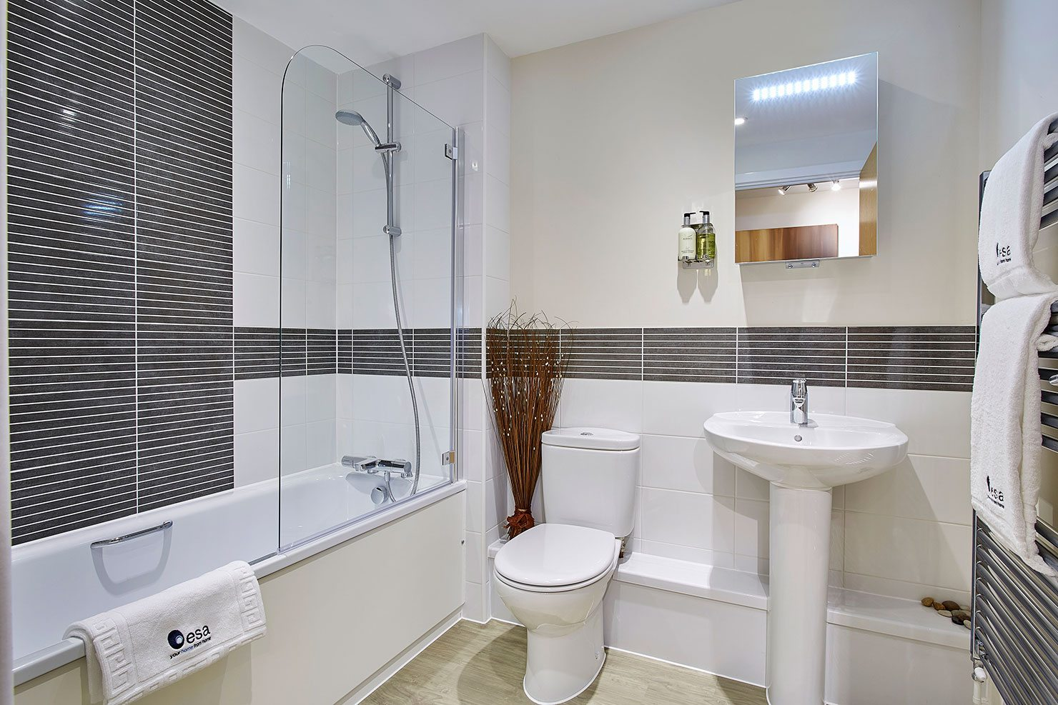Central Gate Serviced Accommodation Newbury - Short Stay Apartments Berkshire | Urban Stay
