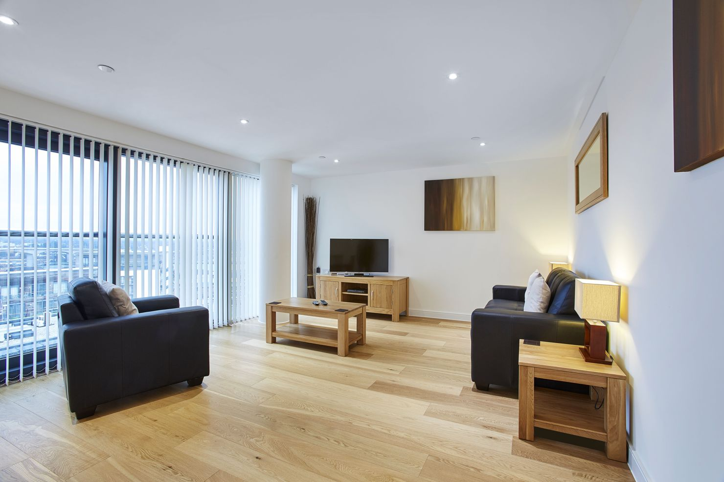 The-Hawkins-Tower-Self-Catering-Accommodation-Southampton---Serviced-Apartments-UK-with-parking-|-Urban-Stay