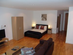Serviced Apartments Manchester - Salford Quays Corporate Accommodation UK - Self-catering accommodation Manchester – Cheap Airbnb – Free Wifi – Parking available | Urban Stay