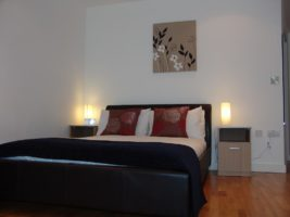 Serviced Apartments Manchester - Salford Quays Corporate Accommodation UK - Self-catering accommodation Manchester – Cheap Airbnb – Free Wifi – Parking available   Urban Stay