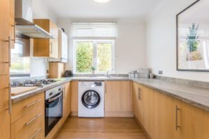 Short Let Accommodation Southend - Leigh-on-Sea Serviced Apartments. Self-catering holiday accommodation Southend-on-Sea – Free Wifi and Parking. Cheap Apartments close to the beach and Southend Airport. | Urban Stay