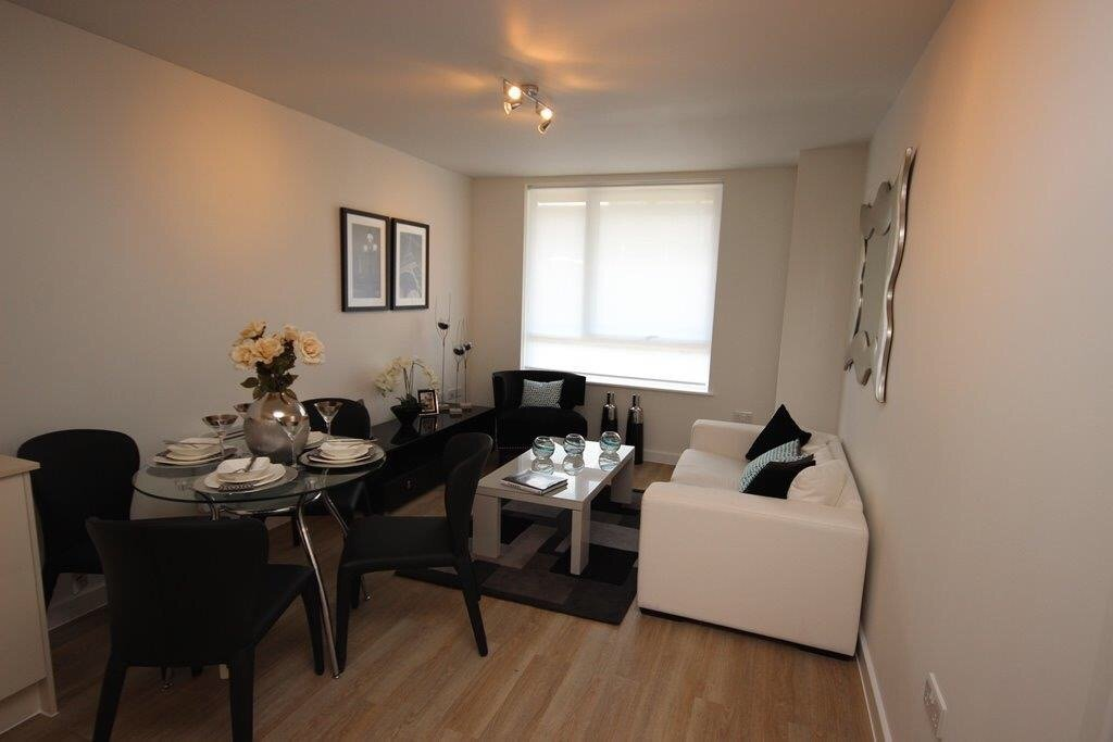 Town-Centre-Serviced-Apartments-Hatfield---Holiday-Accommodation-Hertfordshire-UK- -Urban-Stay