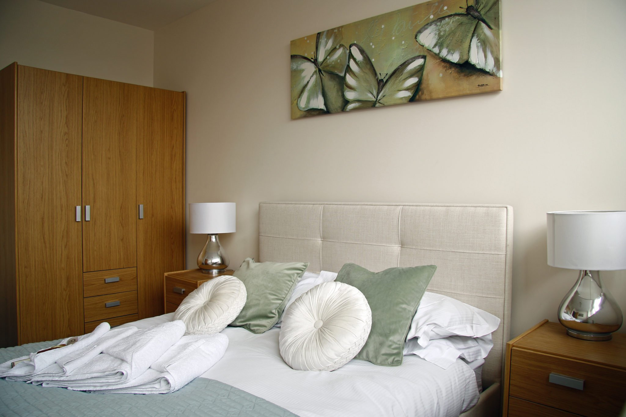 Short-Let-Accommodation-Stevenage---Skyline-House-Serviced-Apartments-Hertfordshire---Self-Catering-Accommodation-UK-|-Urban-Stay