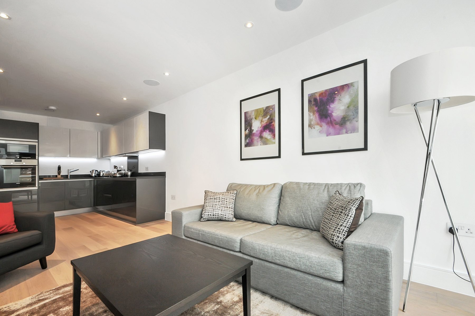 Corporate-Accommodation-Farringdon---London-City-Serviced-Apartments-|-Award-Winning-Short-Stay-Apartments-London---Cheap-Hotel-Alternative-|-Book-now!-Urban-Stay