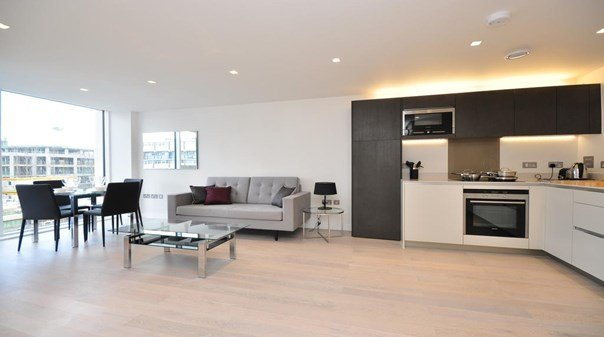Serviced-Accommodation-North-London-|-Stylish-Still-Life-Angel-Deluxe-Apartments-with-Free-Wi-Fi,-Fully-Equipped-Kitchen-&-Private-Balcony|-Urban-Stay