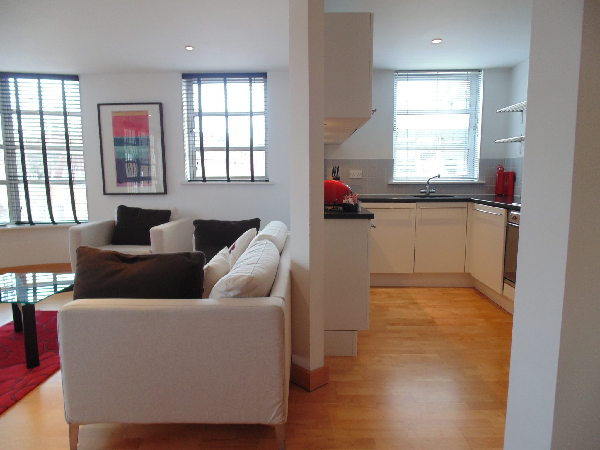 London-Corporate-Accommodation-Liverpool-Street,-Deluxe-UK-Stays---Urban-Stay