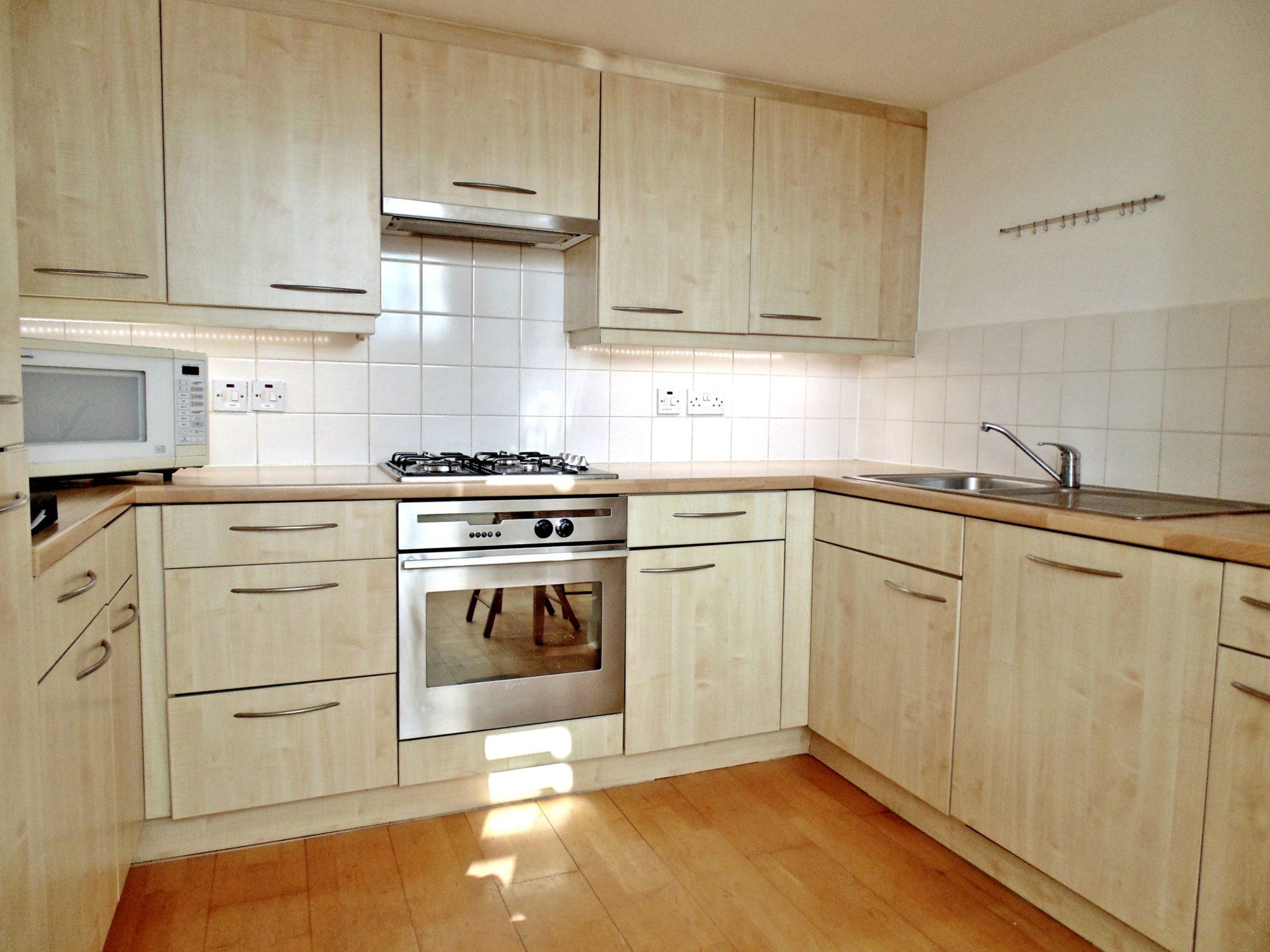 North-London-Accommodation---York-Way-Apartments- -Cheap-Hotel-Alternative-Accommodation-London---Serviced-Apartments-King's-Cross---free-Wifi- -Urban-Stay