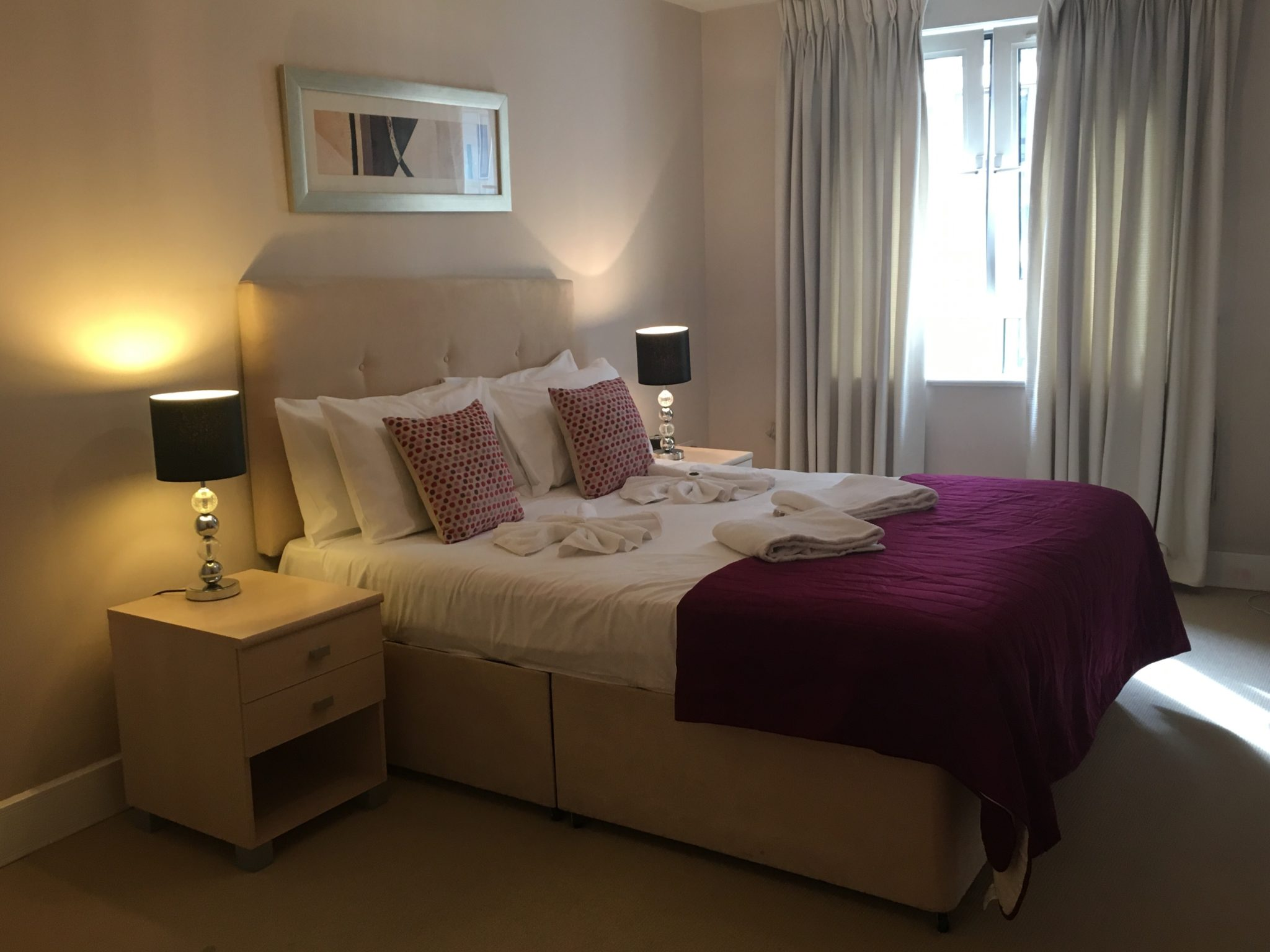 Tower-Hill-Executive-Apartments---Clarendon-Pepys-Street-|-Stylish-Apartments-|-Free-Wifi-&-Weekly-Maid-Service-|0208-6913920|-Urban-Stay