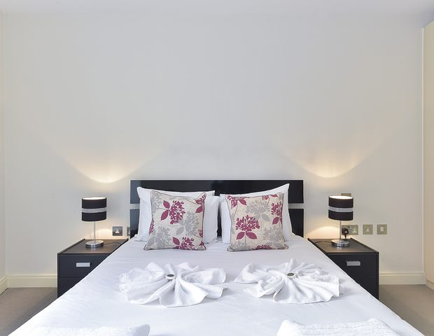 Serviced-Accommodation-Barbican- -Serviced-Apartments-Clerkenwell-London-City- -Corporate-Accommodation-London-City- -BEST-RATES---NO-FEES- -BOOK-NOW!!-Urban-Stay