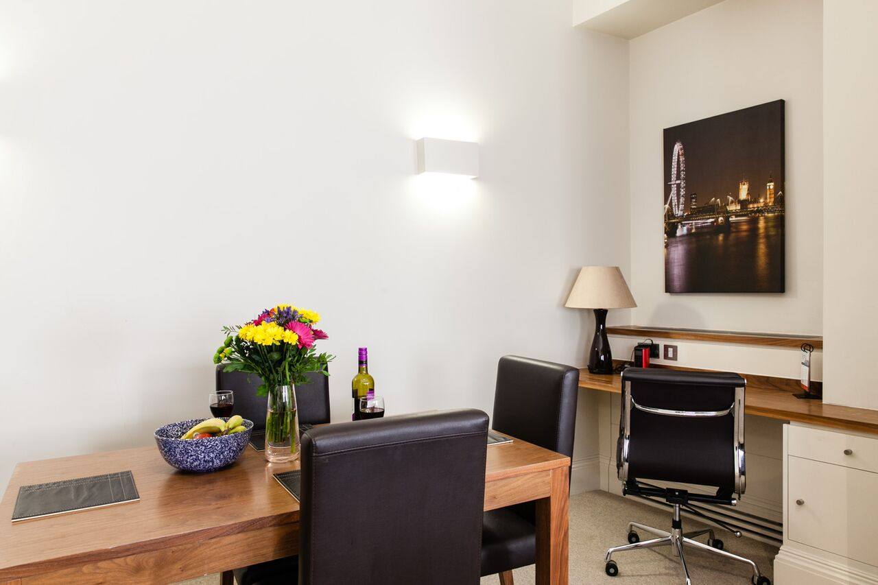 Modern-Corporate-Accommodation-The-City---Book-your-accomodation-today---Free-Wifi---short-let-monument-apartments---daily-housekeeping