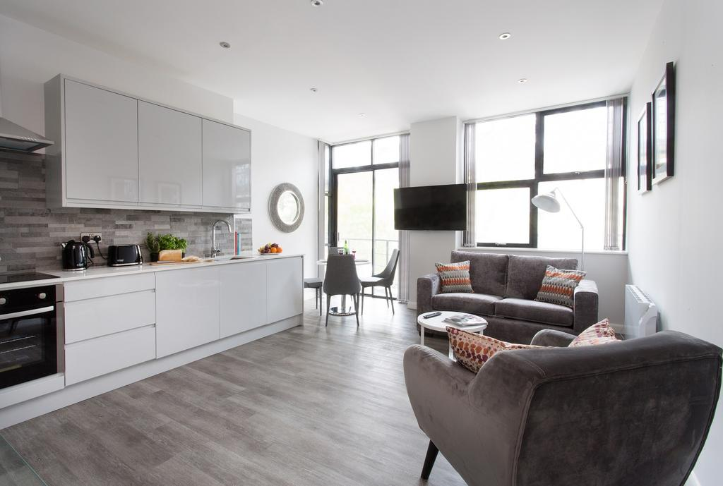 Best-Corporate-Accommodation-Milton-Keynes---Book-701-Serviced-Apartments-today-for-your-corporate-relocation---Free-Wifi---Sky-TV---Enquire-Now
