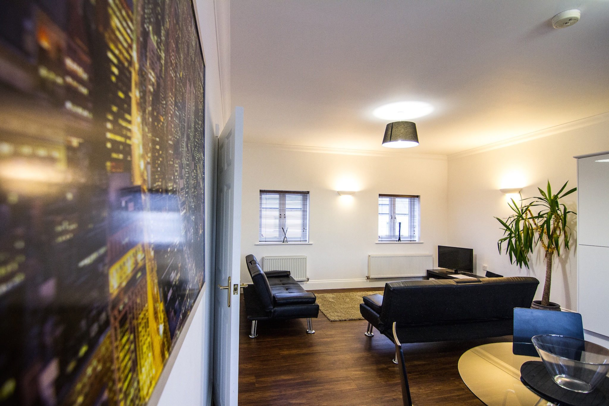 LivingroServiced-Accommodation-Northampton-City-Centre-|-Serviced-Apartments-Northampton-UK-|-Corporate-&-Holiday-Accommodation-Midlands-|-BEST-RATES---BOOK-NOW-|-Urban-Stayom-01