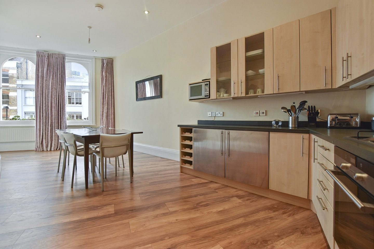 Serviced-Accommodation-London-City---St-John's-Street-Apartments-|-Book-Serviced-Apartments-near-Farringdon-&-Barbican-now.-Best-Rates---No-Fees---Free-Wifi