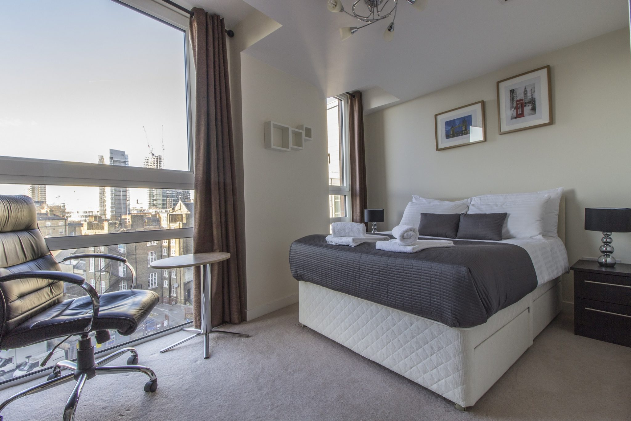 Short-Let-Accommodation-Barbican-|-Serviced-Apartments-London-City-|-Short-Let-Accommodation-Barbican-Centre-|-Award-Winning---Quality-Accredited-|-BOOK-NOW---Urban-Stay
