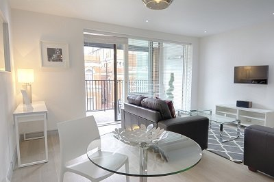 Canning-Town-Accommodation-London-|-Serviced-Apartments-East-London-|-Corporate-Short-Let-Accommodation-near-Canary-Wharf-|-All-Bills-incl---BOOK-NOW-!!-Urban-Stay