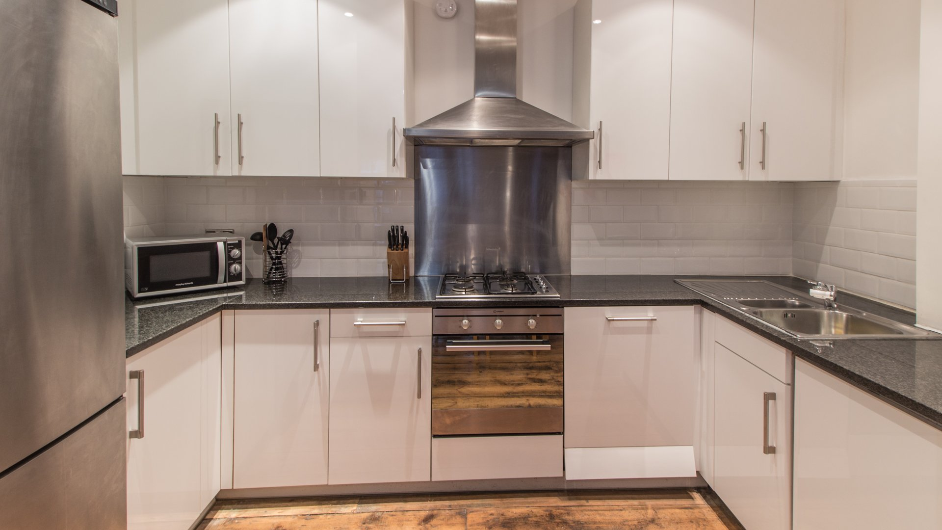 Serviced-Apartments-London-City---Farringdon-Lane-Apartments-|-Book-Serviced-Apartments-near-Farringdon-&-Barbican-now!-Best-Rates---No-Fees---Free-Wifi