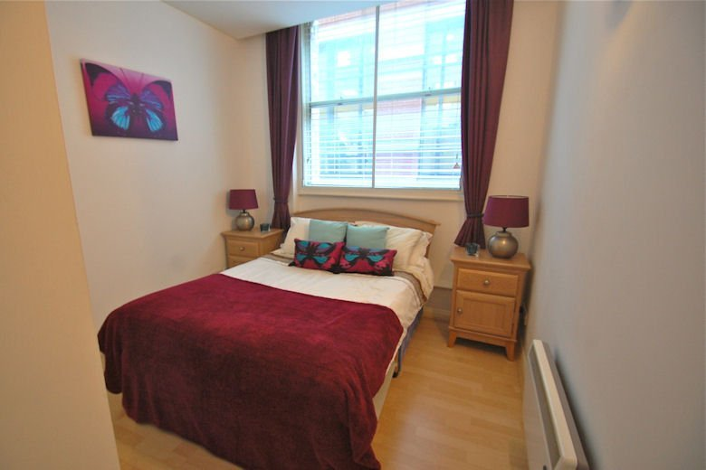 Serviced-Accommodation-Blackfriars-London---Book-Priory-House-Serviced-Apartments-London-now!-London-Corporate-Accommodation-Blackfrias- -Urban-Stay