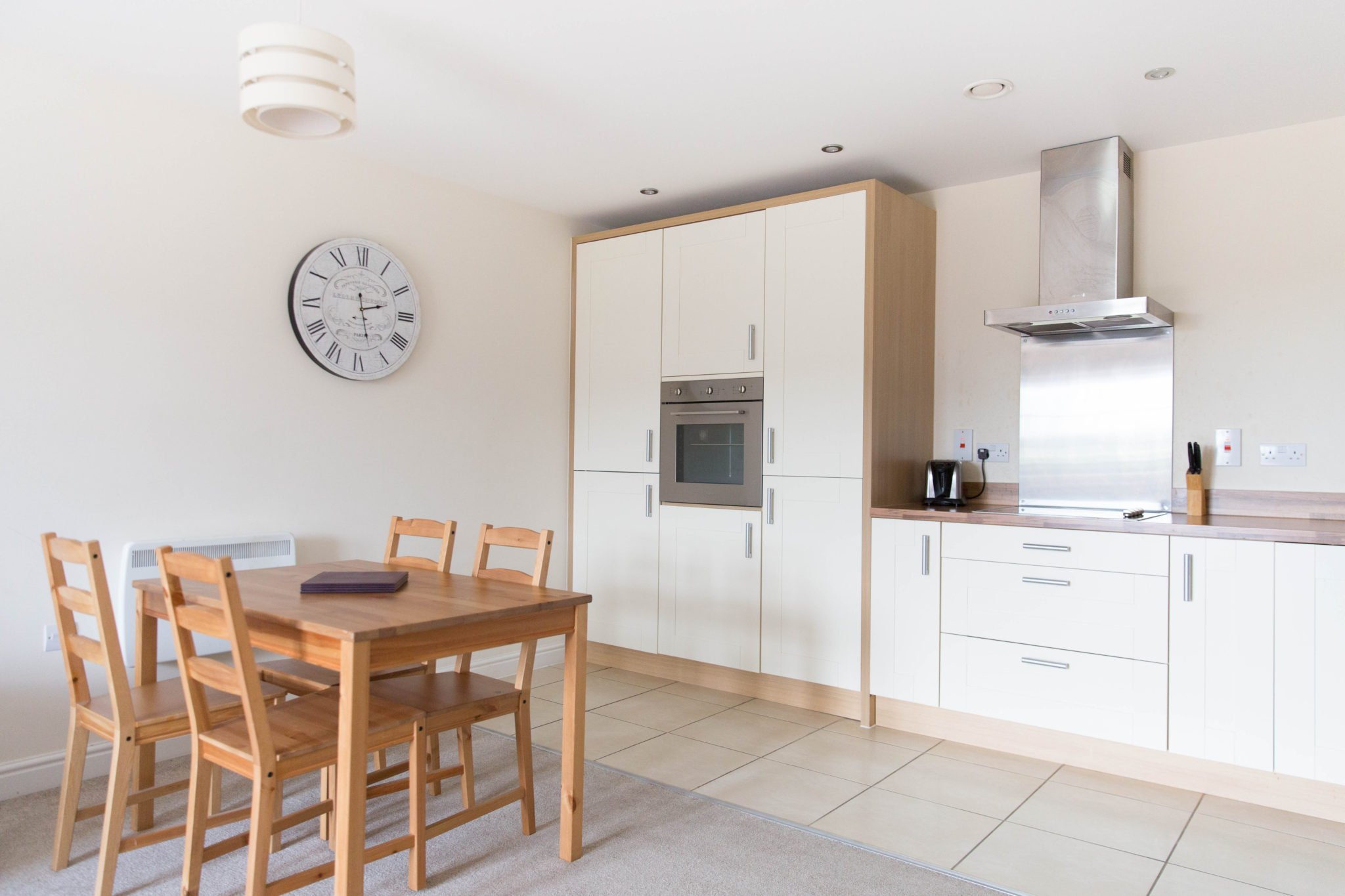 Farnborough-Serviced-Apartments-Hampshire-|-Serviced-Corporate-Accommodation-Farnborough-Airport-|-Cheaper-than-hotels-&-more-space-|-BEST-RATES---BOOK-NOW