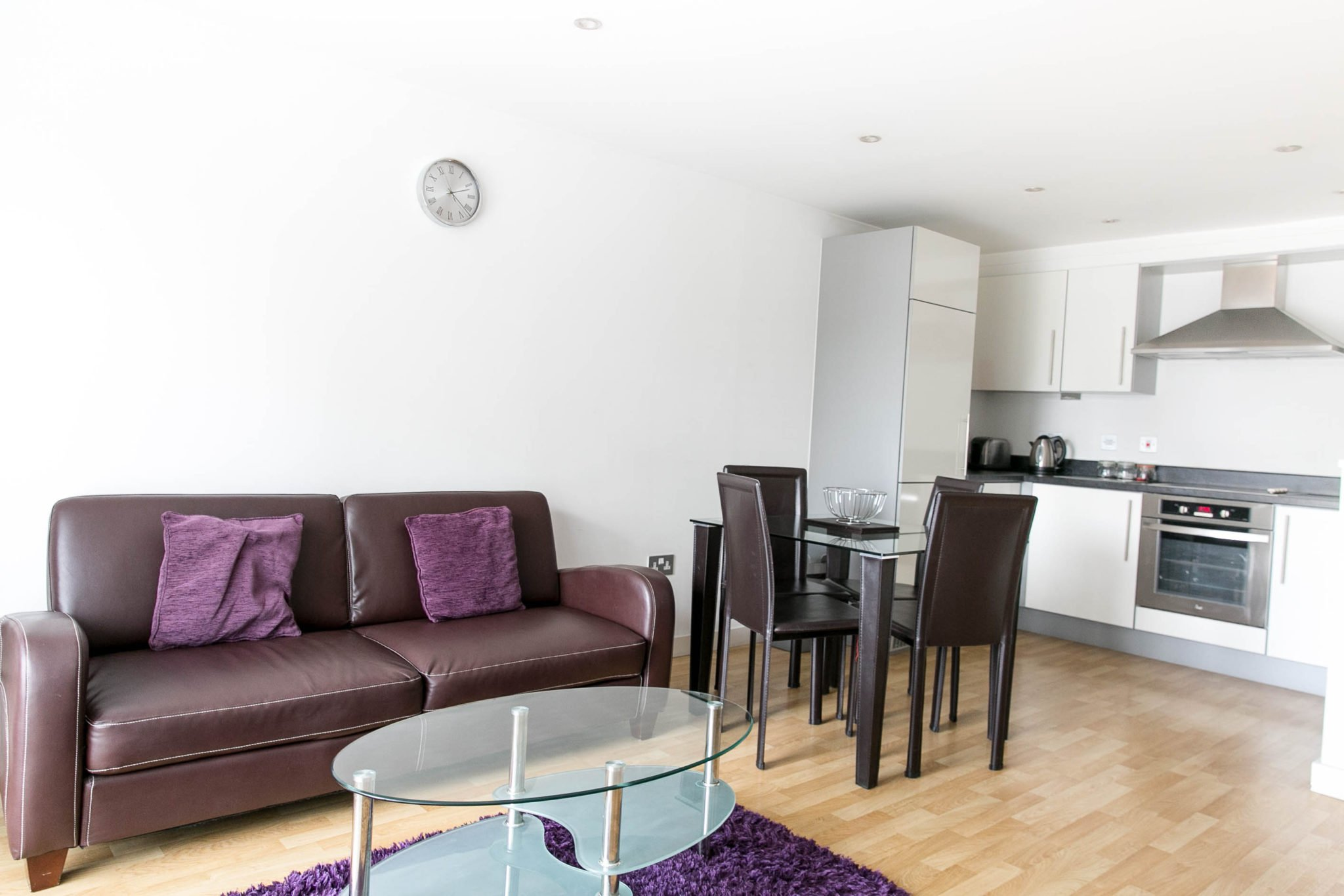Camberley-Corporate-Accommodation-Surrey-|-Self-catering-Apartments-Camberley-UK-|-Group-Accommodation-Surrey-|-Short-Lets-Camberley-|-LOW-RATES---BOOK-NOW---Urban-Stay