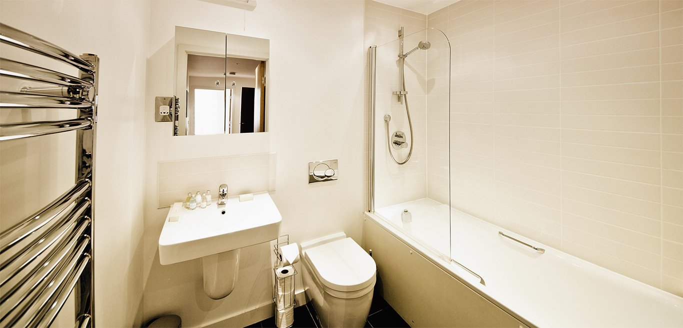 Beautiful-Modern-Uxbridge-Serviced-Apartments---Armstrong-House---Book-Now-With-Urban-Stay-For-Best-Rates!!---Free-Wi-fi---Full-Sky-TV!!!