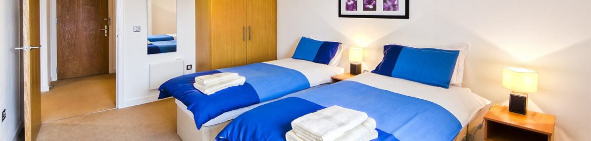 Beautiful Modern Uxbridge Serviced Apartments - Armstrong House - Book Now With Urban Stay For Best Rates!! - Free Wi-fi - Full Sky TV!!!