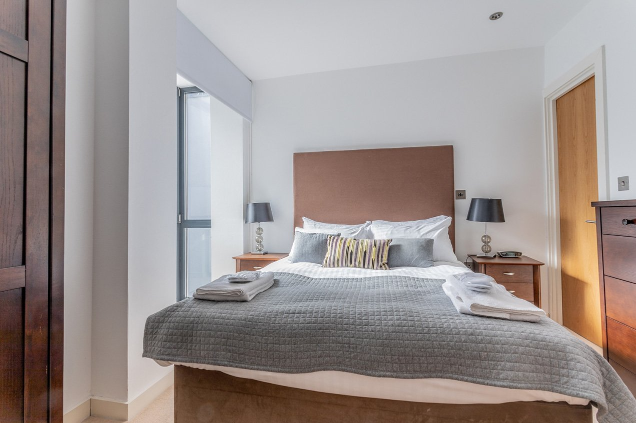 Serviced-Accommodation-Aldgate-East-London-|-Serviced-Apartments-Aldgate-|-Corporate-Short-Lets-|-5*-Service-|-Award-Winning-|-Quality-Accredited-|-BOOK-NOW---Urban-Stay