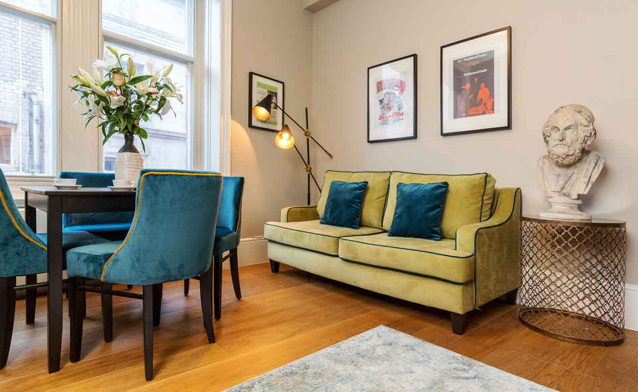 Modern-Covent-Garden-Apartments---St-Martins-Court-Apartments---Book-Now-With-Urban-Stay-For-Best-Rates-Gaurunteed!!!---Free-Wi-Fi---Weekly-Linen-Clean