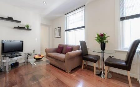 Chancery Lane Accommodation London | Serviced Apartments Central London | Short Let Apartments Near Farringdon | All Bills incl - Best Rates! BOOK NOW | Urban Stay