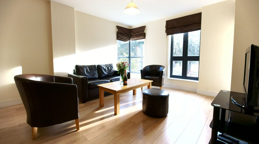 Cosy-Palmers-Green-Apartments---Book-Lodge-Drive-Apartments-Today-With-Urban-Stay---Best-Rates-Gauranteed!!!---Free-Wi-Fi---CCTV