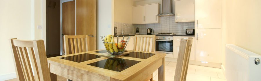 Palmers Green Apartments   Serviced Accommodation North London   Corporate Lets   Holiday Accommodation London  East Barnet, Enfield   BEST RATES - BOOK NOW