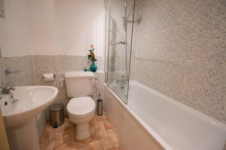 Monument-Bathroom