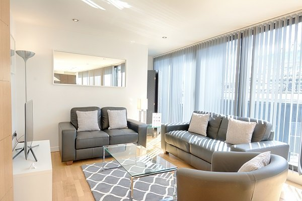 Corporate-Accommodation-St-Paul's-London---London-City-Serviced-Apartments-|-Short-Lets-in-the-Square-Mile!-BOOK-NOW:-Best-Rates---No-Fees---Great-Service!-Urban-Stay