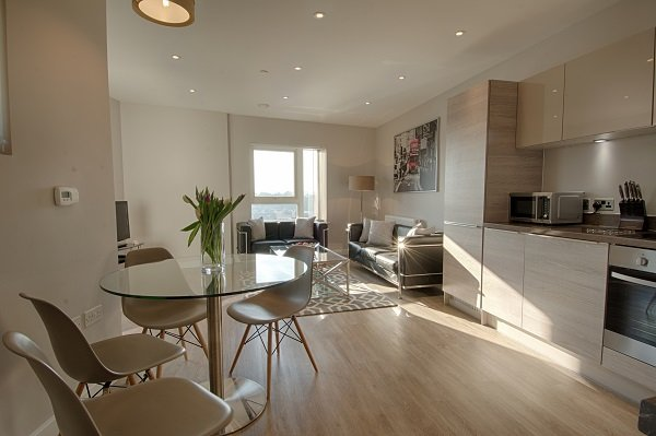 Croydon-Corporate-Accommodation-South-London-|Cheap-Short-Let-Apartments-Near-London-|-Croydon-Serviced-Apartments-|-Free-Wifi---Balcony---Lift---Bills-Incl