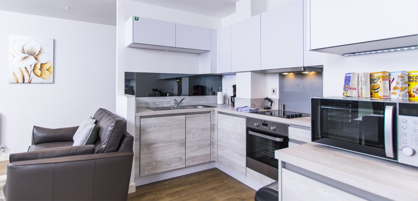 Brentford-Accommodation-West-London-|-Serviced-Apartments-Kew,-Chiswick,-Acton-Ealing,-the-Thames-|-Cheap-London-Short-Let-Accommodation-| Sky-TV-|-BOOK-NOW---Urban-Stay