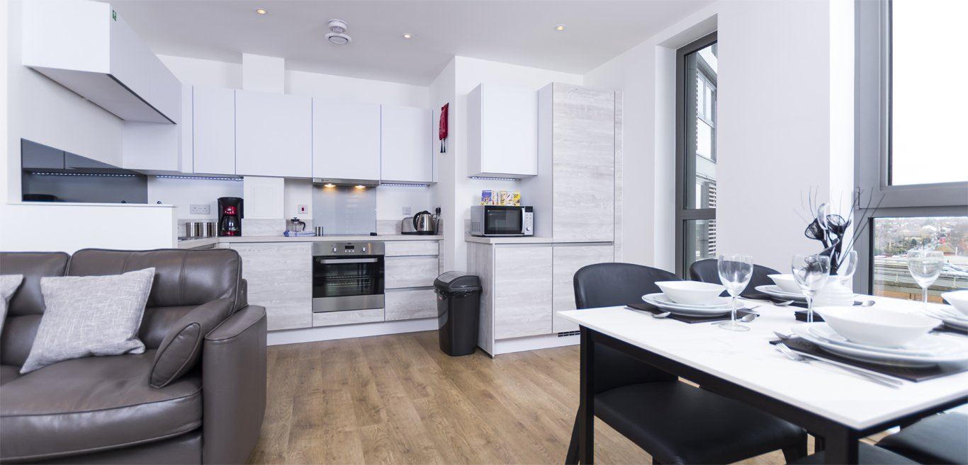 Brentford-Accommodation-West-London-|-Serviced-Apartments-Kew,-Chiswick,-Acton-Ealing,-the-Thames-|-Cheap-London-Short-Let-Accommodation-|Sky-TV-|-BOOK-NOW---Urban-Stay