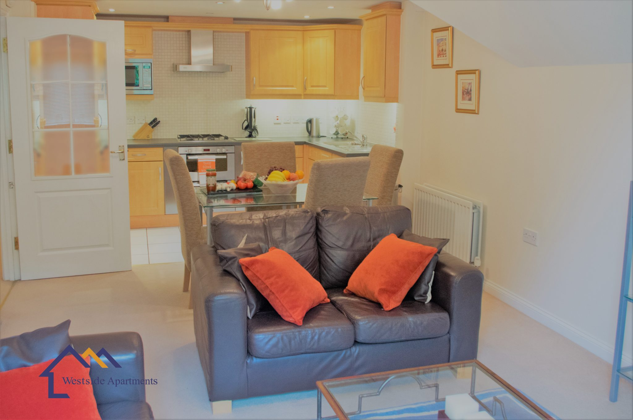 Basingstoke-Short-Let-Apartments-Hampshire-|-Serviced-Apartments-Basingstoke-UK-|-Cheap-Self-catering-Accommodation-UK-|-Parking---Wifi---Urban-Stay