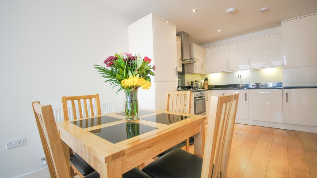 Wood-Green-Shortlets-London-|Alexandra-Palace-Accommodation-|-Serviced-Apartments-North-London-|-Cheap-Corporate-&-Holiday-Accommodation-London-|-BOOK-NOW---Urban-Stay