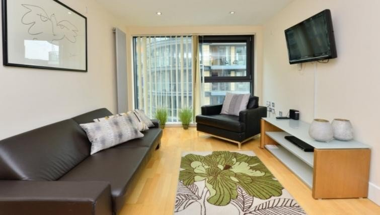 Canary-Wharf-Corporate-Accommodation-London-|-Tower-Hamlets-Short-Lets-|-East-London-Serviced-Apartments-|-Award-Winning-|-Quality-Accredited-|-BOOK-NOW---Urban-Stay