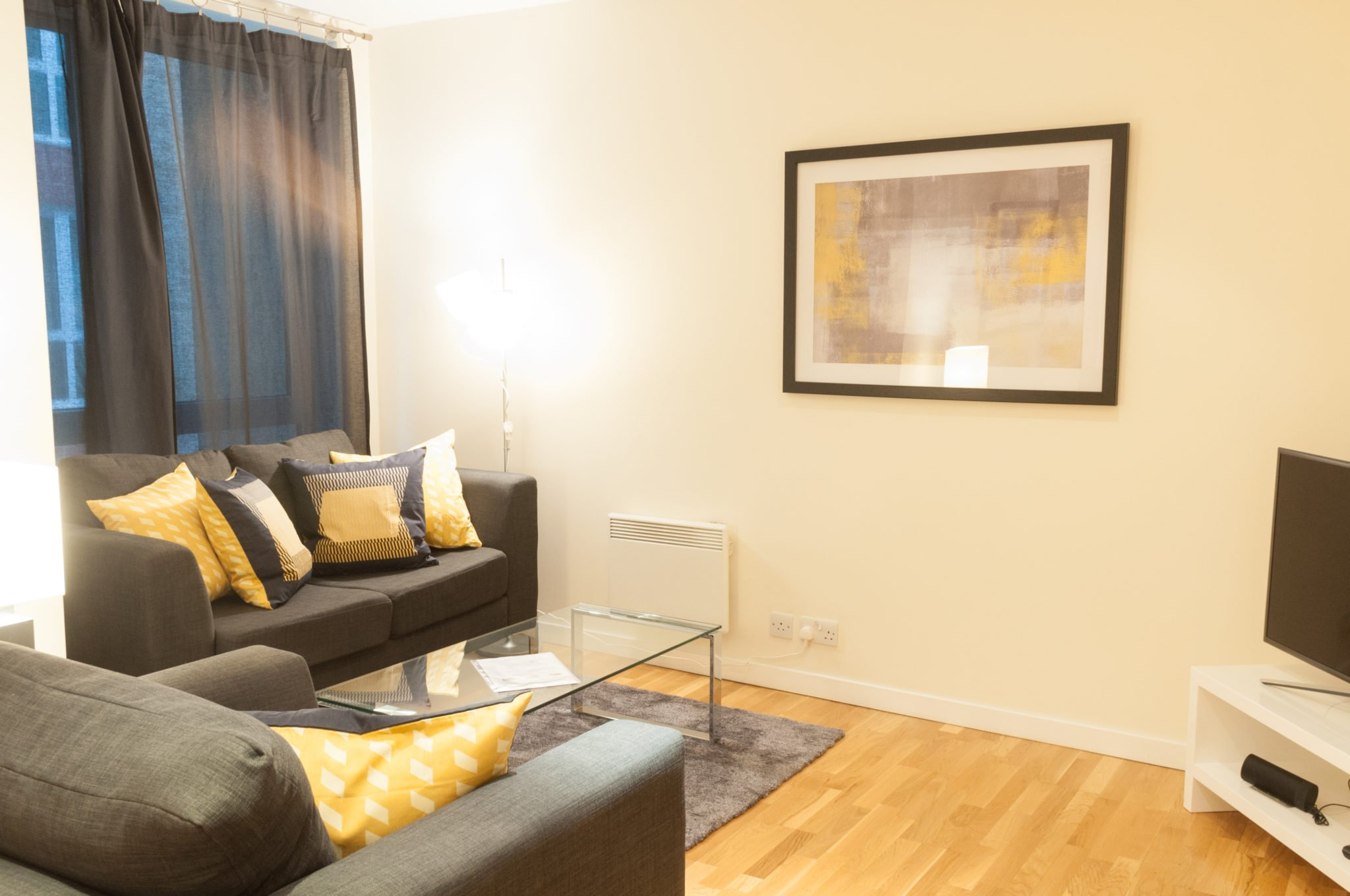 Short-Let-Accommodation-London-City-| Serviced-Apartments-at-St-Pauls,-Barbican,-Chancery-Lane,-Farringdon-|-Holiday-Accommodation-UK|-BEST-RATES---BOOK-NOW---Urban-Stay