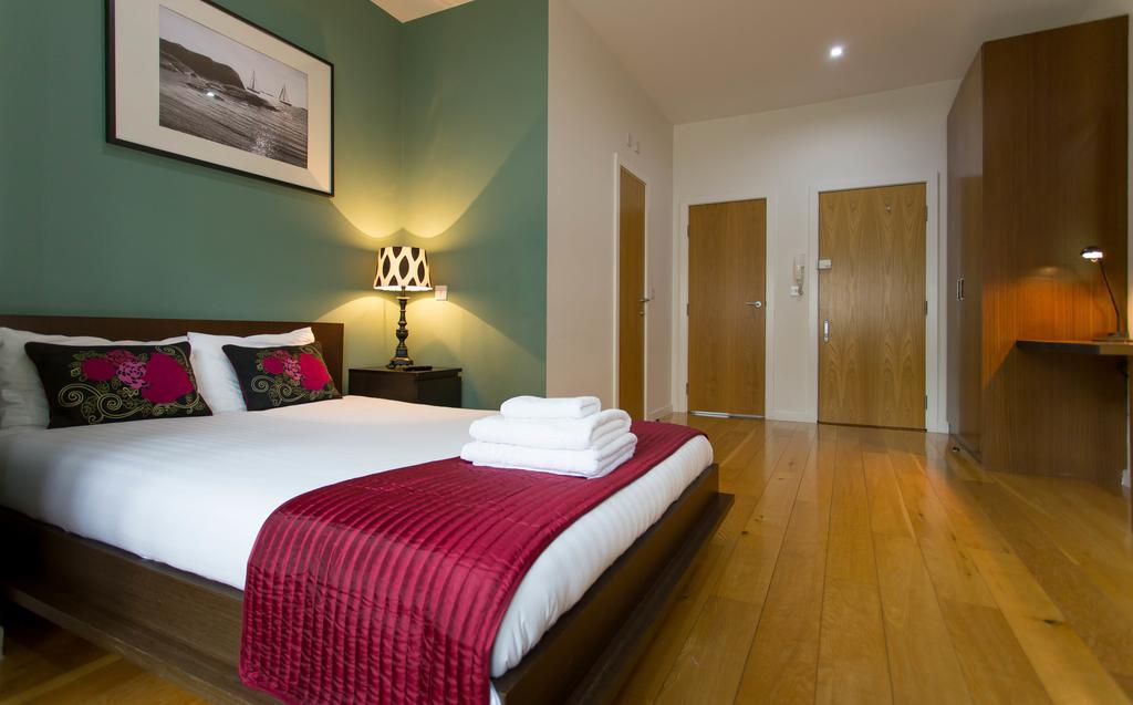 Holland-Park-Apartments-London- -Beautiful-Accommodation-Kensington- -Self-catering-Apartments-London- -Award-Winning-&-Quality-Accredited- -BOOK-NOW
