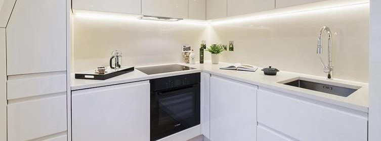 Serviced Accommodation | Stylish & cheap Belgravia Rooms Apartments | Free Wi-Fi | Fully Equipped kitchen | Welcome Basket |0208 6913920| Urban Stay