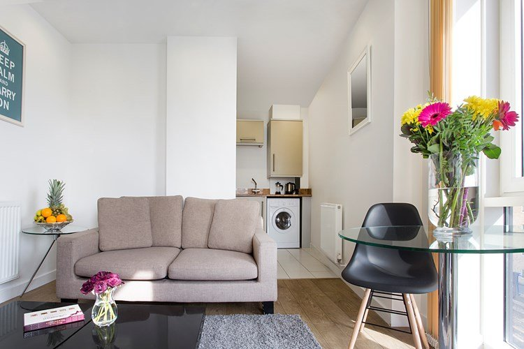 Limehouse-Serviced-Apartments-London- -Luxury-Accommodation-Canary-Wharf- -Short-Lets-Apartments-London- -Award-Winning-&-Quality-Accredited- -BOOK-NOW