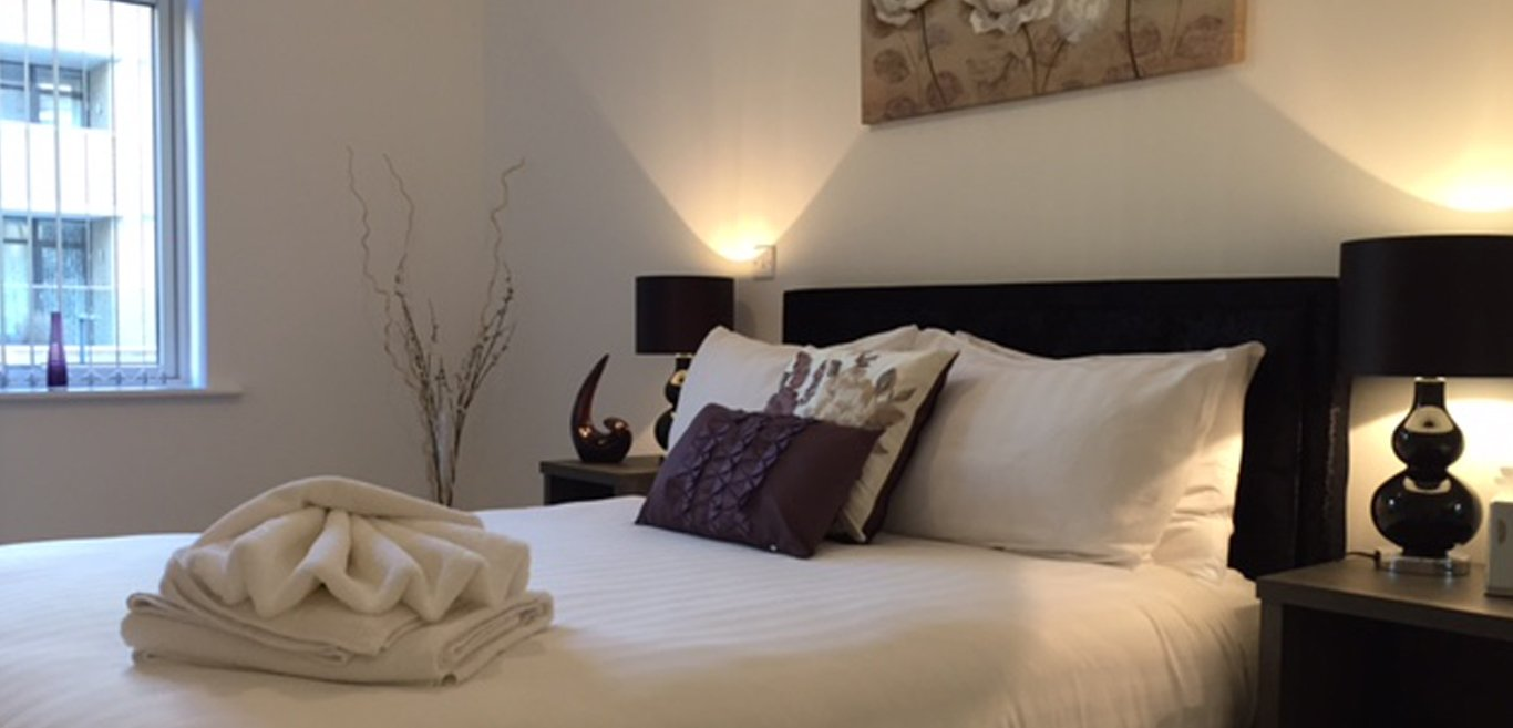Isleworth-Accommodation-West-London-|-Serviced-Apartments-Kew,-Chiswick,-Acton-Ealing,-the-Thames-|-Cheap-London-Short-Let-Accommodation-|Sky-TV-|-BOOK-NOW---Urban-Stay