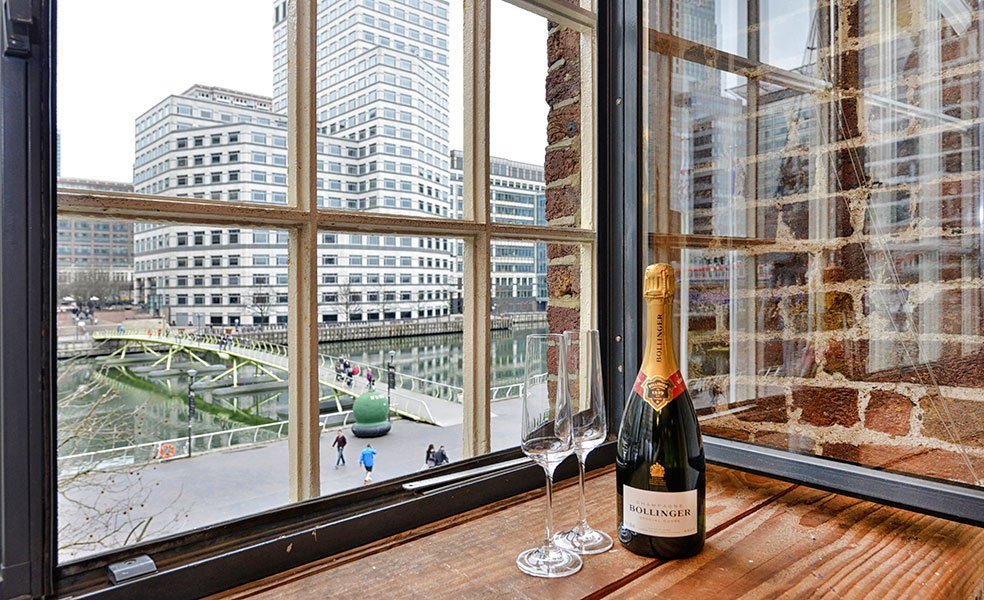 Stunning-Canary-Wharf-Apartments---West-India-Quay-Apartments---Book-Today-With-Urban-Stay-For-Your-Best-Rates!!!---Free-WiFi---Weekly-Linen-Clean