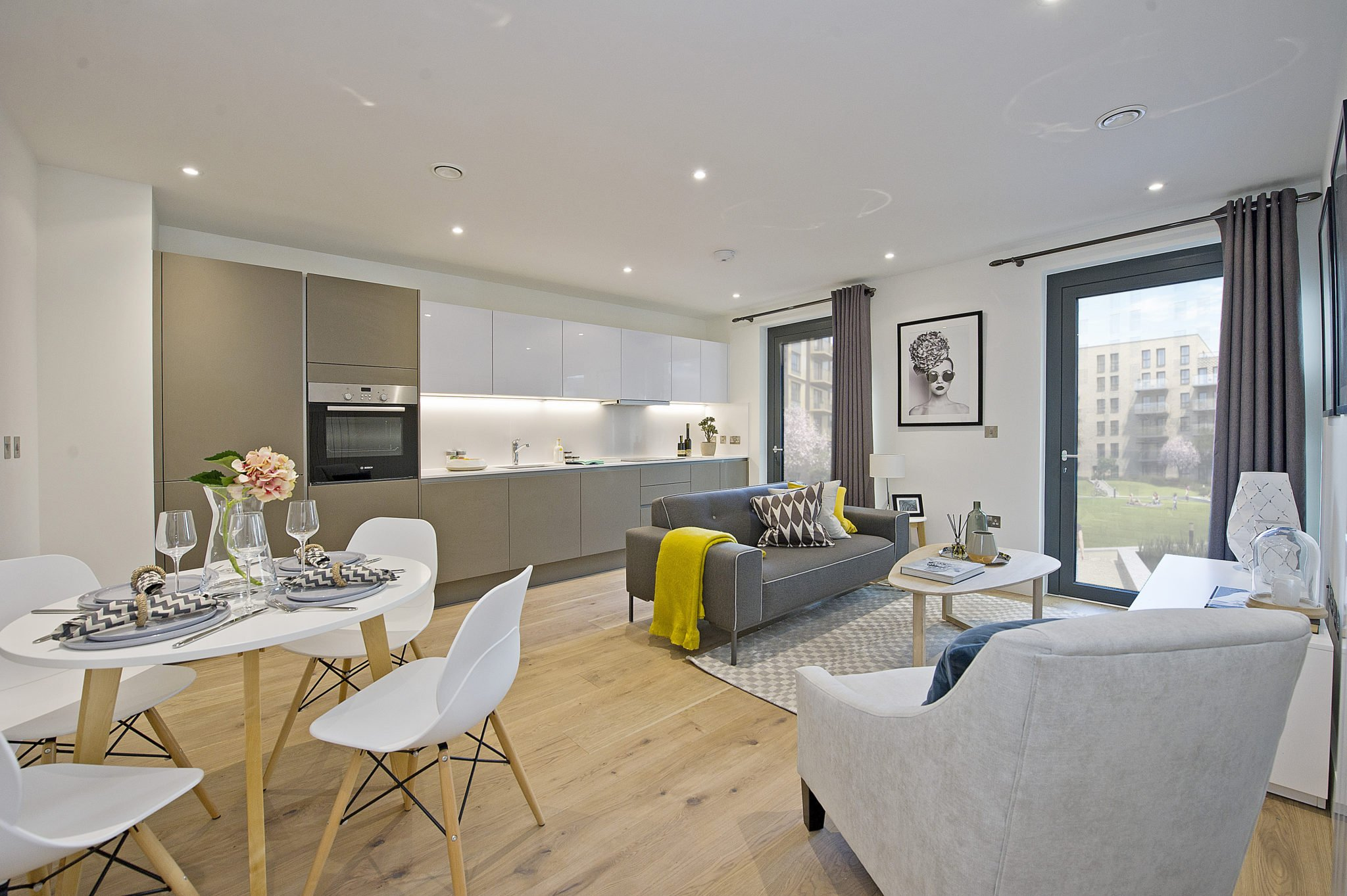 2-Living-Area-Kitchen-And-Dining-Wembley-Serviced-Apartments-(1)