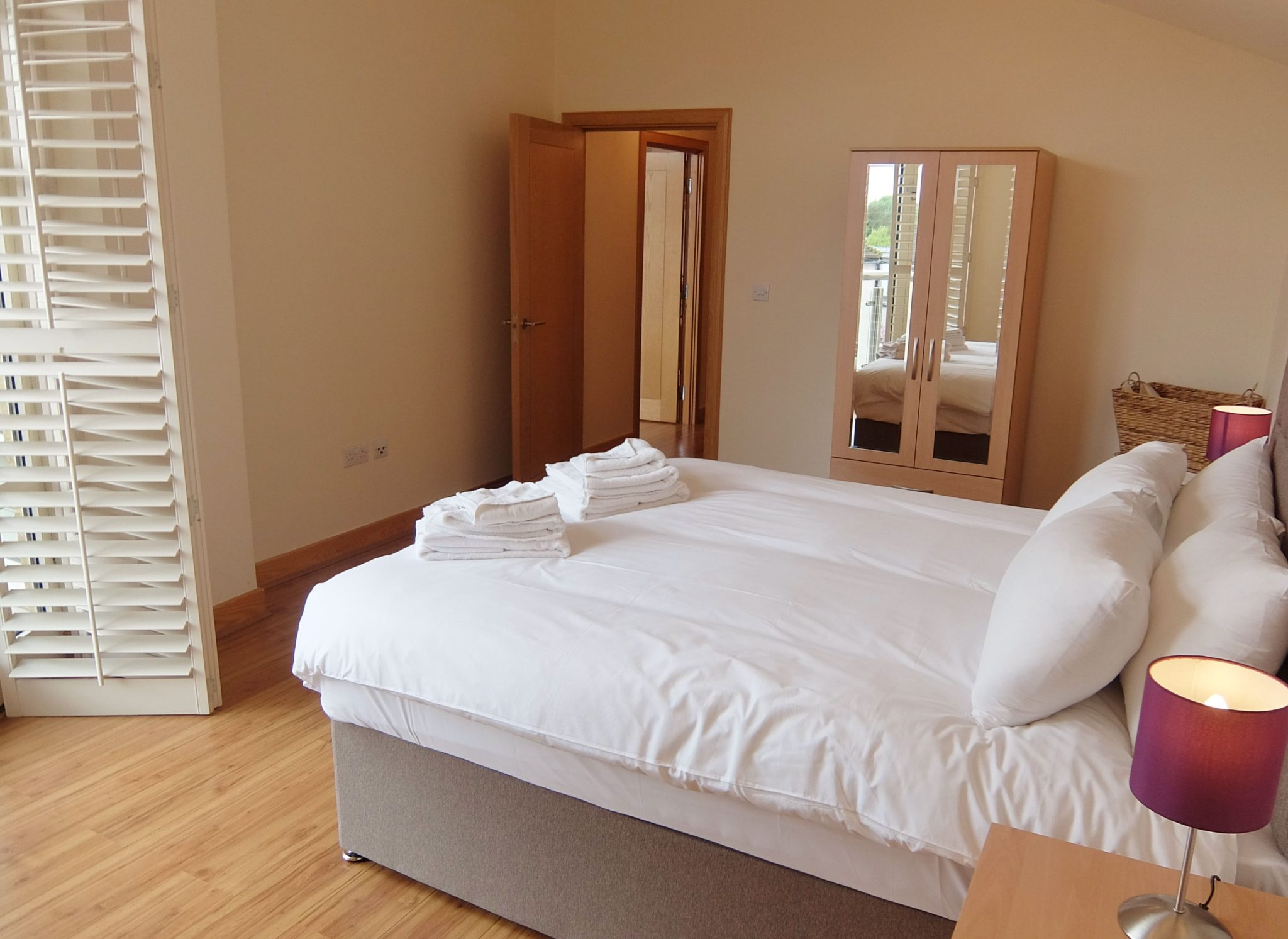 Looking-for-affordable-accommodation-in-Kingston?-why-not-book-our-Kingston-Serviced-Apartments,-Bridge-Road-for-your-stay?-call-today-for-great-rates.