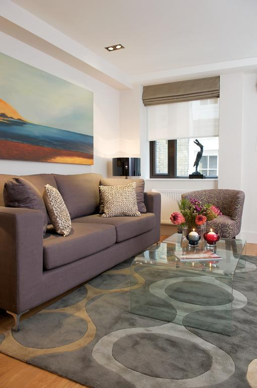Luxury-Serviced-Accommodation-London- Stylish-Short-Let-Apartments- -Free-Wifi- -Air-Con- -Lift- 0208-6913920 -Urban-Stay