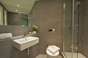 Luxury Serviced Accommodation London |Stylish Short Let Apartments | Free Wifi | Air Con | Lift |0208 6913920| Urban Stay